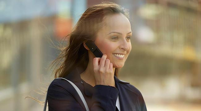 Đưucọ thiết kế giống như một chiếc didenj thoại thu nhỏ