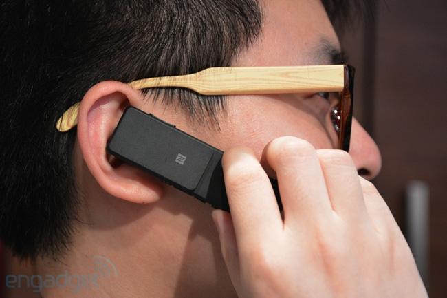 Sony trình làng tai nghe Bluetooth có khả năng chống nước